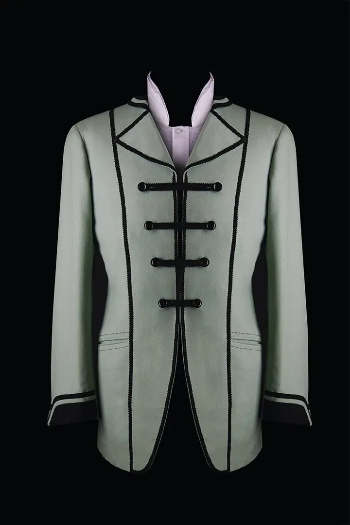 BRAZZI-STILL-LIFE-4-italian-made-to-measure-suits