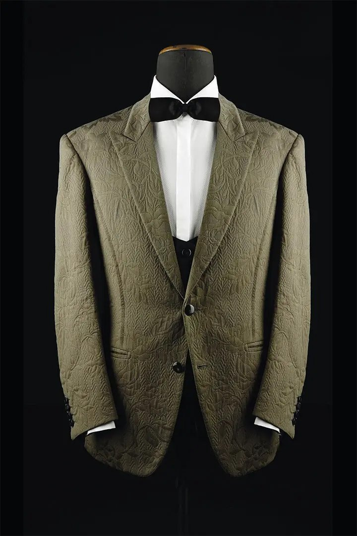 DINNER-JACKET-STILL-LIFE-2a-italian-made-to-measure-suits